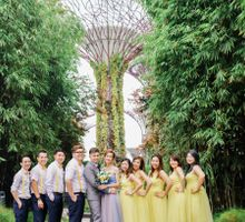 A Bright Yellow Chinese Wedding in Singapore by Gardens by the Bay