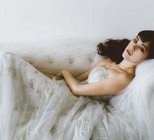 Simple Elegance by Fiona Treadwell