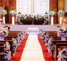 Elegant white & green churn matrimony by Blooming Elise Flowers