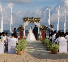 Fun wedding full of sun, sand & sea!! by AVAVI BALI WEDDINGS