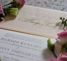 Hardjo & Venny - Elegant Gold invitation by felicia sasongko wedding make up