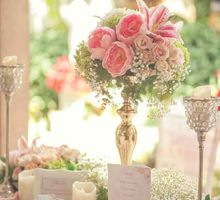Chic and elegant table setting decoration by Lily Florist & Decoration