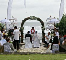 The Wedding of Faldo and Sharleen by WakaGangga Resorts