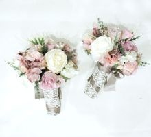Natural Pink Bridesmaid handbouquet by Cup Of Love Design Studio
