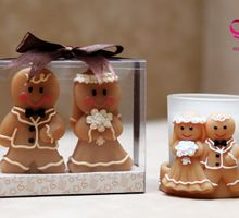 Ginger bread couple candle holder by Red Ribbon Gift
