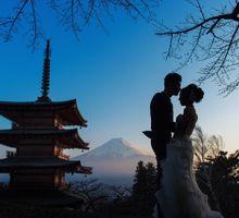 Japan Prewedding Fuji to Tokyo with sakura blooms by John15 Photography