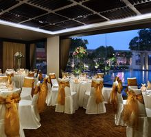 Park Hotel Clarke Quay Wedding in Van Fleef by Park Hotel Clarke Quay