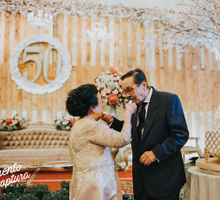Rustic Golden Anniversary by Sentra Bunga