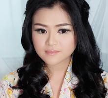 Soft makeup by fleur
