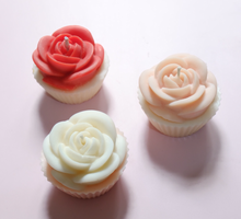 Flower Candle Cupcake by Scent and Light