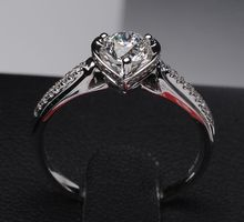 DIAMOND RING DHTXDFJ017 by TIARIA