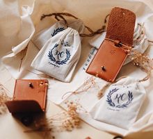Roby And Cindy Wedding Souvenirs by Yuo And Leather
