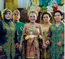 From Wedding Mb Dewi Dan Mas Yudi by Shinta Ayu Jogja