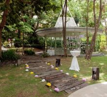 updating, Celebrating Benjamine & Saailii (ROM) by Amara Sanctuary Resort Sentosa