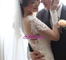 Wedding Day Of Johny & Julia by Plum & Peach Floral