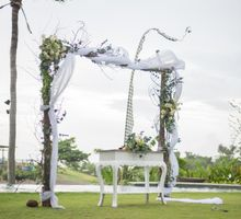 Simple White Theme by Share Wedding Idea