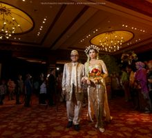 Tiara + Miki Wedding by Thepotomoto Photography
