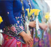 A Trail of Colours by The Wedding Stylist