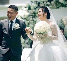 Maroon Wine at FerryElrika Wedding by felicia sasongko wedding make up