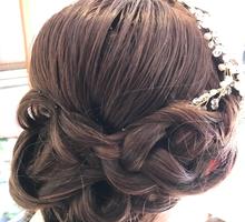Wedding day hair style by PonnieHsu Makeup Studio