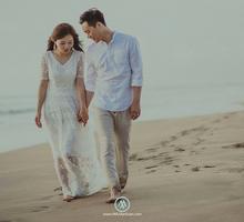 Engagement potrait of Soo & Mi by MAJAartisan