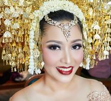 Nadhia & Dhanny Wedding Reception by Christina Martha