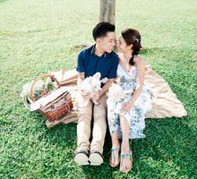 Casual picnic fun Pre-wedding by Nathan Wu Photography