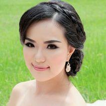 Venny Angelina Makeup artist