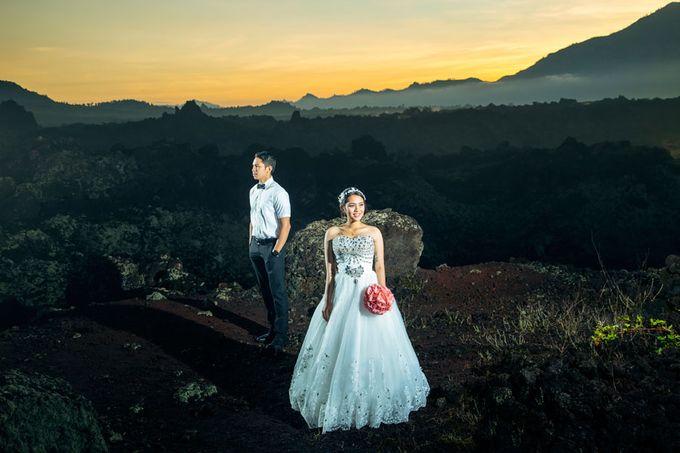 Bali Engagement Portrait by Max.Mix Photograph - 002