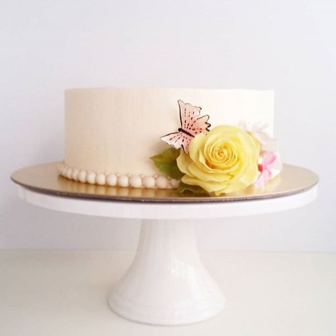 Single tier and multi tiered cakes by Baby Cakes - 013