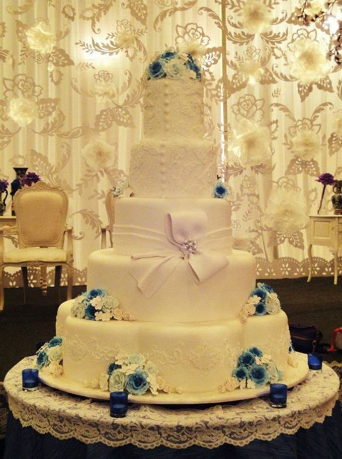 image of wedding cake with name 5 layers wedding cakes by lenovelle cake bridestory 16319