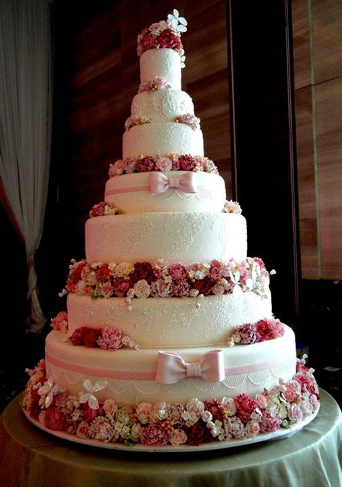 7 tiers wedding cake by lenovelle cake