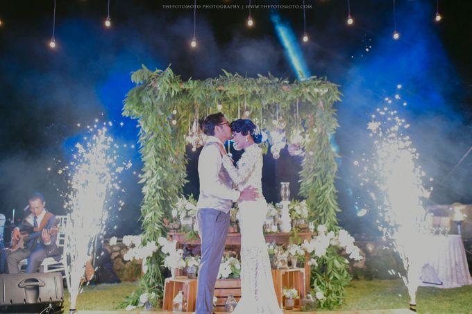 Ayu Hastari & Ryoichi Hutomo Wedding Day by Thepotomoto Photography - 040