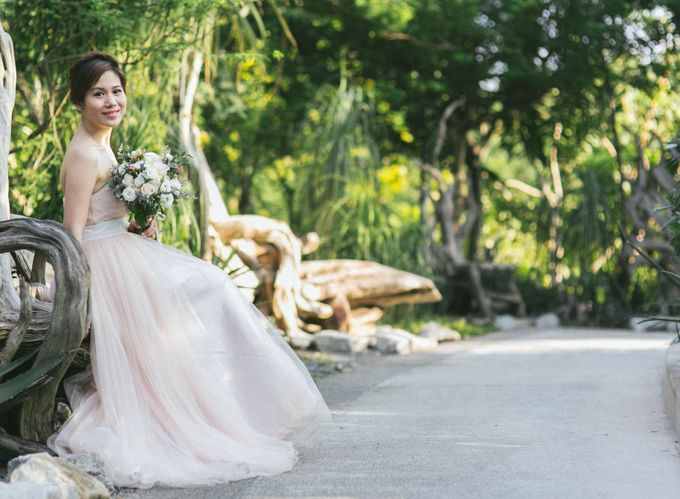 Floral & Garden Wedding Photoshoot by Après Makeup - 002