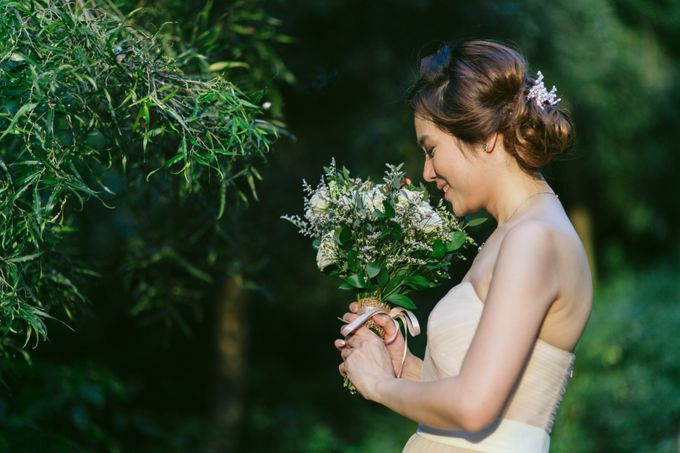 Floral & Garden Wedding Photoshoot by Après Makeup - 009