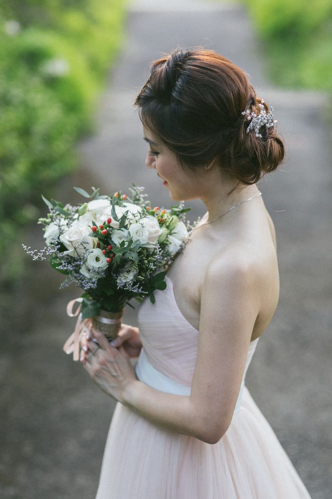 Floral & Garden Wedding Photoshoot by Après Makeup - 010