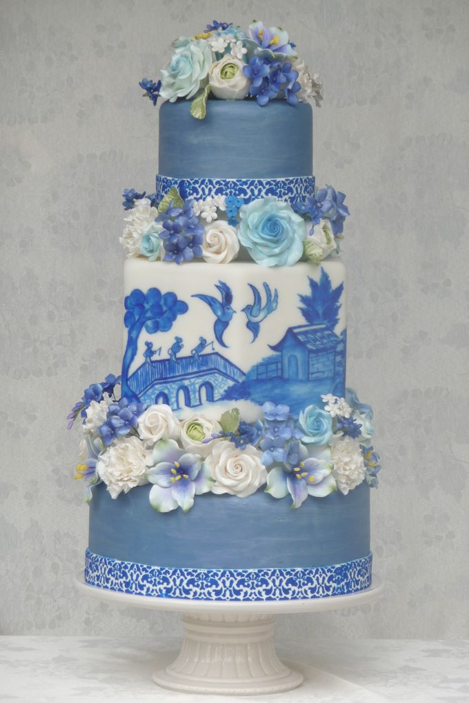 Cake Artist Judy Uson : Hand-painted Blue Willow Cake by Judy Uson, The Cake ...