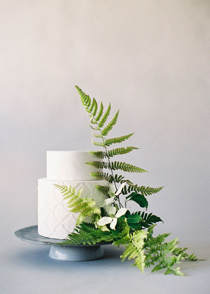 Lush Botanical Cake Design Inspiration for the Naturalist Bride by Jen Huang Photo - 010