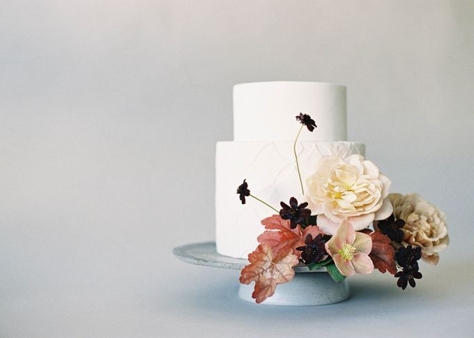 Lush Botanical Cake Design Inspiration for the Naturalist Bride by Jen Huang Photo - 017