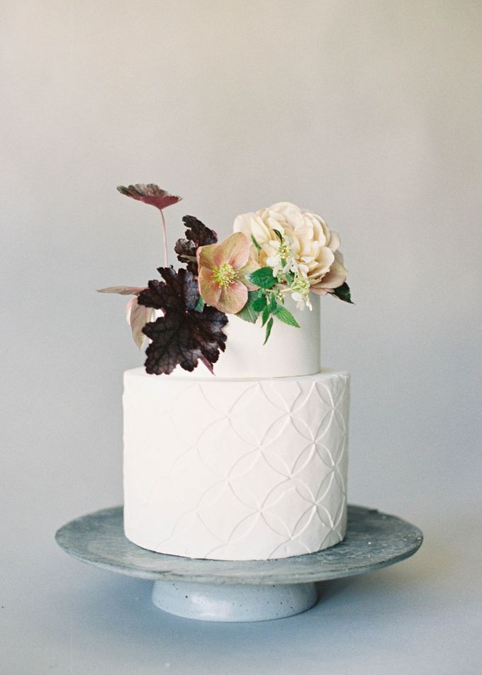 Lush Botanical Cake Design Inspiration for the Naturalist Bride by Jen Huang Photo - 019