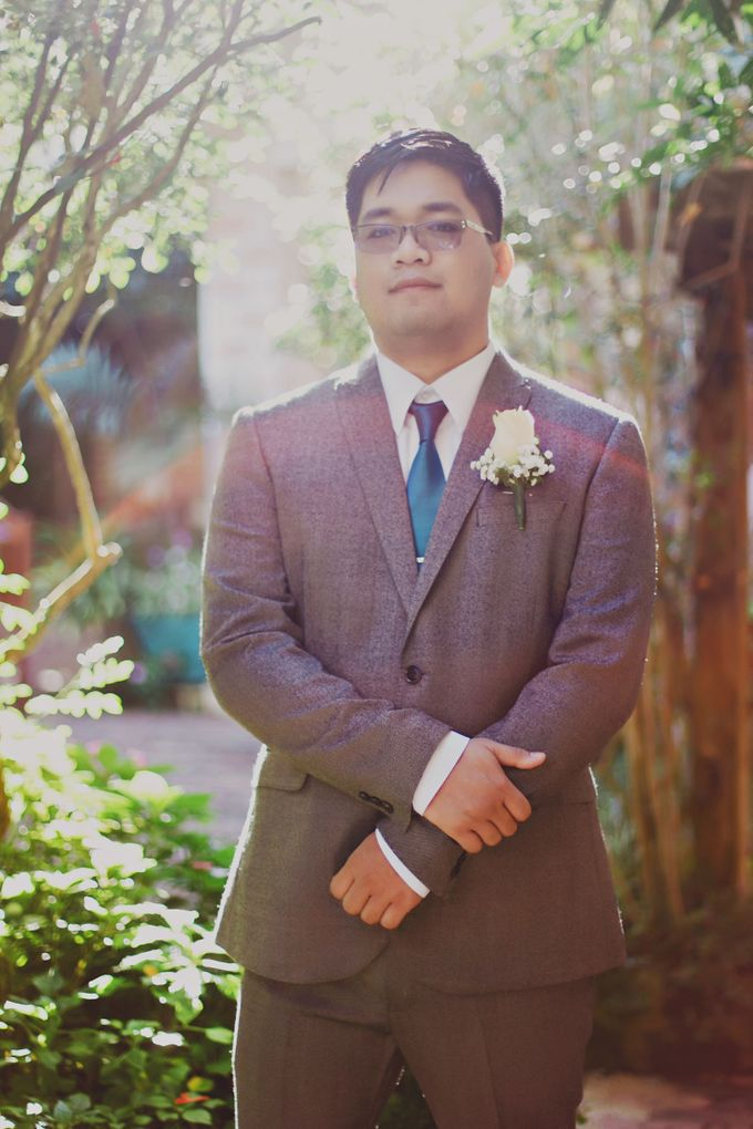 Intimate Wedding in Tagaytay - Charles and Carla by David Garmsen Photo and Video - 006