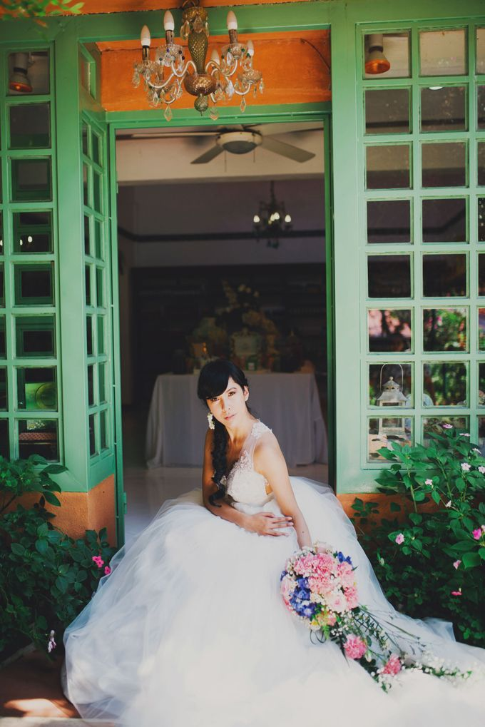 Intimate Wedding in Tagaytay - Charles and Carla by David Garmsen Photo and Video - 014