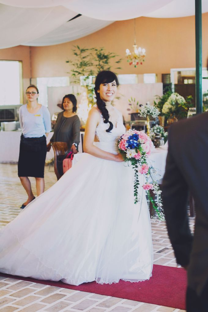 Intimate Wedding in Tagaytay - Charles and Carla by David Garmsen Photo and Video - 017