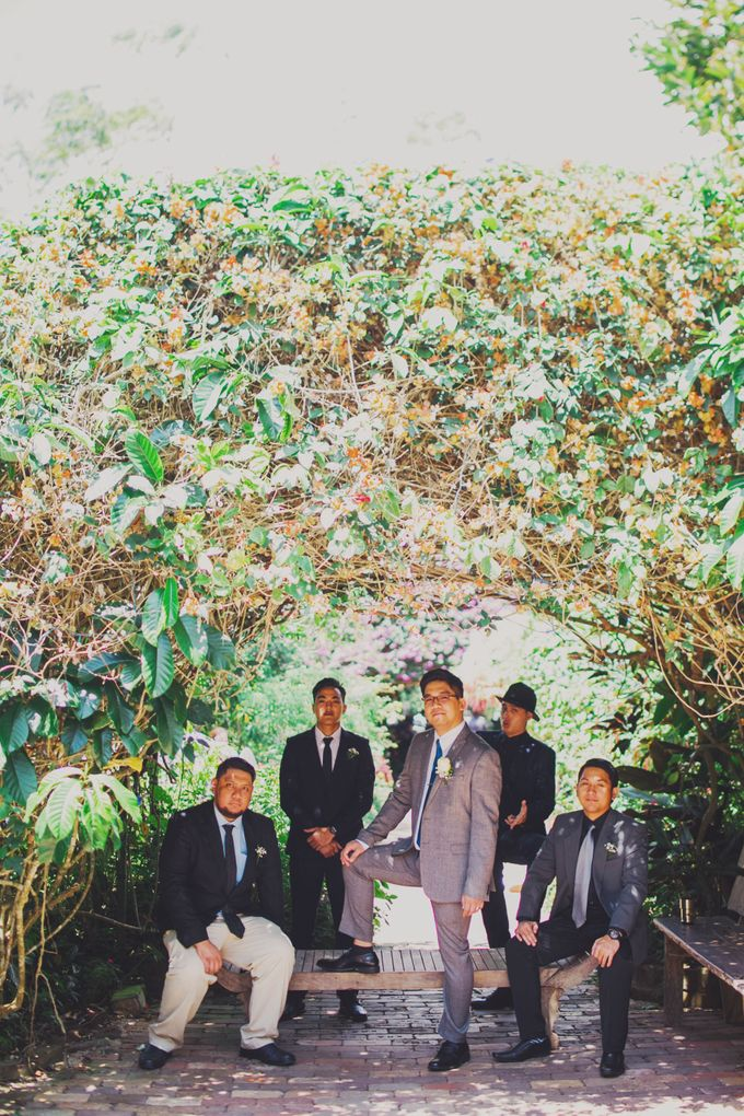 Intimate Wedding in Tagaytay - Charles and Carla by David Garmsen Photo and Video - 019