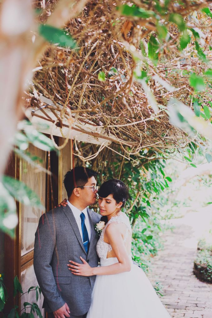 Intimate Wedding in Tagaytay - Charles and Carla by David Garmsen Photo and Video - 022