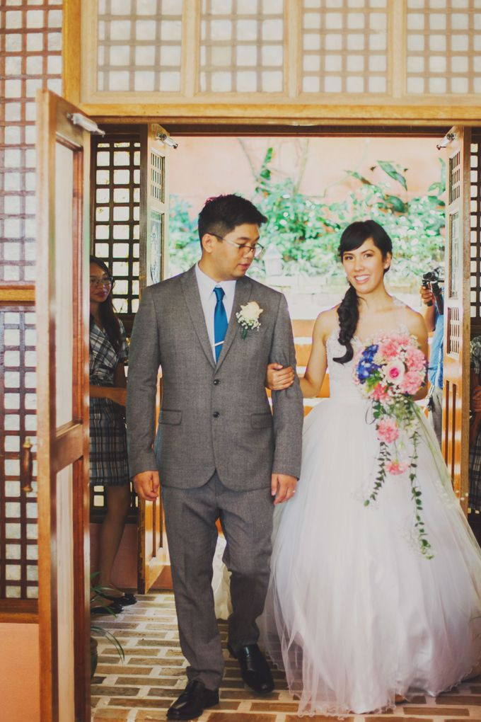 Intimate Wedding in Tagaytay - Charles and Carla by David Garmsen Photo and Video - 023