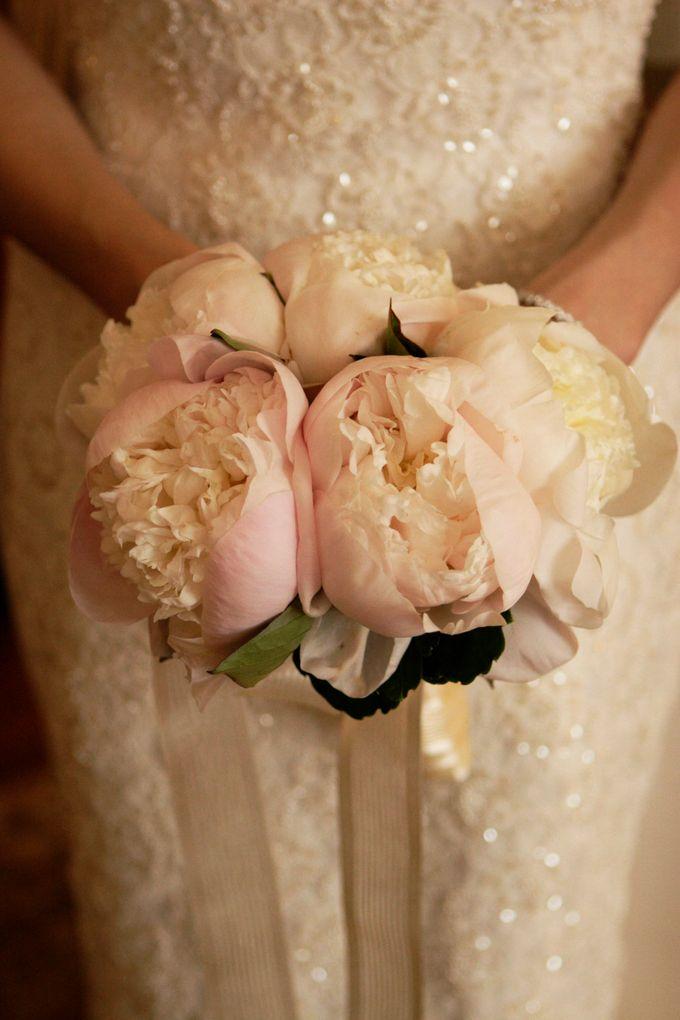 SPELLBOUND WEDDING BOUQUET by Spellbound Weddings - 004