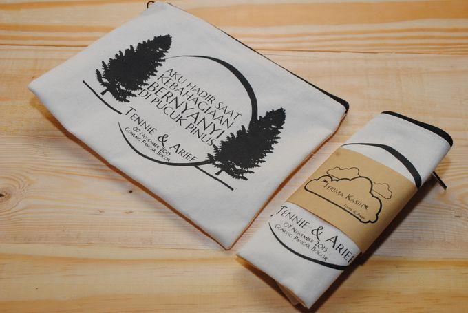 souvenir pouch blacu by Plung Creativo - 001
