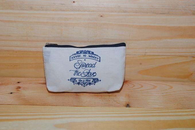 souvenir pouch blacu by Plung Creativo - 003
