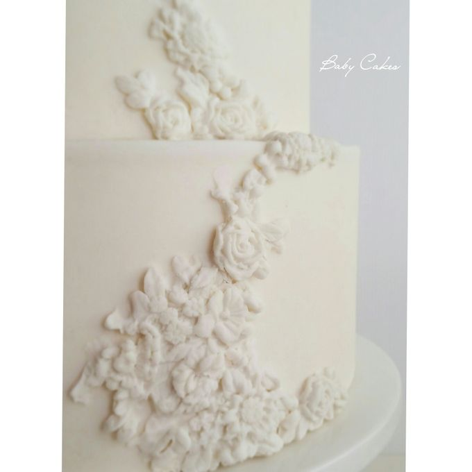 Single tier and multi tiered cakes by Baby Cakes - 025